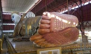 Reclining buddha in Chaukhtatgyi Paya. Yangon. Myanmar.