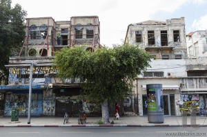 Unrenovated houses on Rehov Allenby Street. Tel Aviv, Israel.
